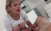 Unfaithful uk mature lady sonia shows off her gigantic titti