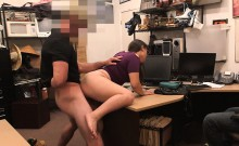11-11-2016 - Super amateur girl in secret voyeur place