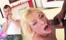 Cuckolding milf goes crazy for bbc
