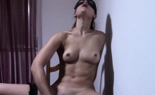 A masked amateur girl shows of her big ass and plays with
