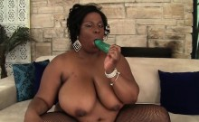 Sexy and chubby BBW lets her boyfriend fuck her mouth and
