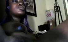 Ebony babe toying her wet pussy on her web cam