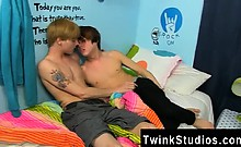 Amazing twinks Kyler Moss and Nick Duvall get into some fles