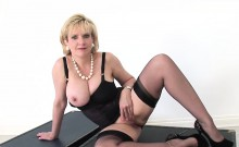 Unfaithful english mature gill ellis flaunts her big boobs