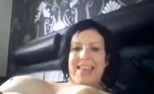 URVixen Masturbates On Webcam