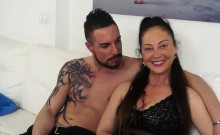 SCAMBISTI MATURI - Busty Italian lady enjoys a young cock