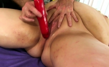Fat Woman Velma Voodoo Receives a Filthy Cunt Massage