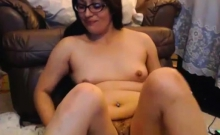 Chubby brunette with hairy bush fingers asshole