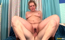 Granny Kelly Leigh Gets Pounded By A Skinny Younger Guy